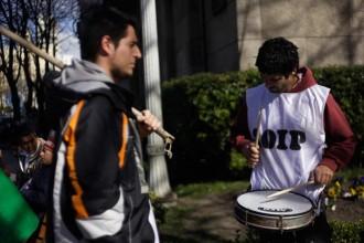 Revista Puerto - Protesta del SOIP frente al Municipio por subsidio a no registrados
