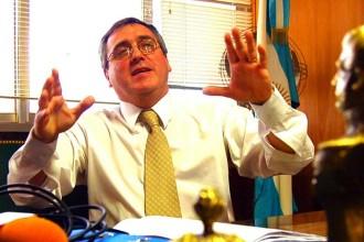 Sastre se negó a embargar a los procesados.