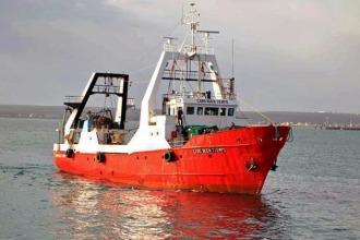 El Cabo Buen Tiempo ex Alpesca, empresa ícono de la pesca fresquera, mágicamente posee cuota de congelador.