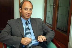 Fiscal Daniel Adler.