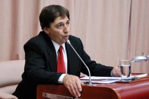 Villagra reflota la comisión legislativa.